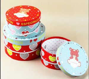 Popular Round Gift Box with Handle / Round Nesting Hat Boxes pictures & photos