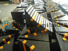 Solid Rubber Wheel Chocks for Trucks pictures & photos