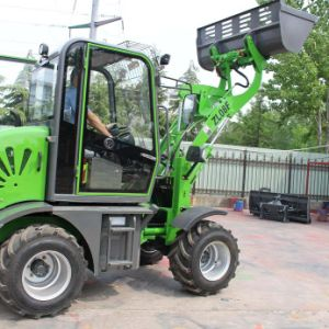 0.8 T Hydraulic Wheel Loader with All Implements pictures & photos