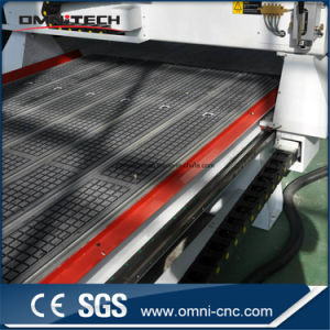 Ce/Sgscertificated 2030 4axis 3D Atc CNC Router with Spindle Rotate pictures & photos