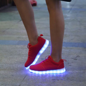 New High Quality Design Unisex Sneakers Fashion Leisure Light up Running LED Shoes with USB Charging pictures & photos