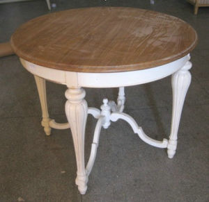 Gorgeous and Delicate Round Table Antique Furniture pictures & photos