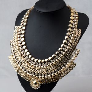 New Design Crystal Gold Plated Cahin Necklace (XJW13237) pictures & photos