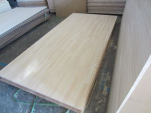 Chile Pine Finger Joint Board and Solid Edge Glue Panel pictures & photos