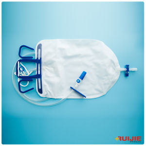 Approved Medical Disposable Luxurious Urine Drainage Bag with T-Tap Outlet pictures & photos