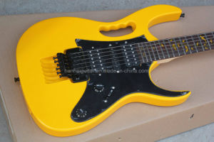 Hanhai Music / Yellow Electric Guitar with Black Pickguard pictures & photos