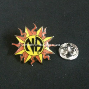 Factory High Quality Custom Iron Lapel Pin / Badge pictures & photos