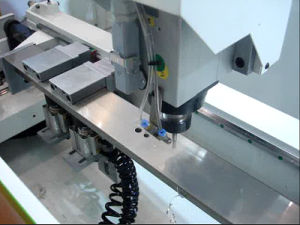 Door Pattern Making Machine --Holes, Groove Milling 3X Copy Router Lxfa-CNC-1200 pictures & photos