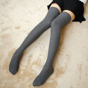 Factory Long Heavy Thread Over Knee Plain Cotton High Girl′s Stockings pictures & photos