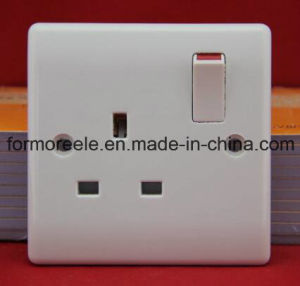 British Wall Switched Socket/European Wall Socket /Multi-Function Socket pictures & photos