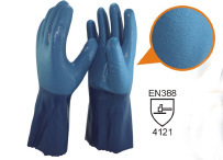 Black Neoprene Flocklined Diamond Grip on Palm Chemical Resistant Gloves pictures & photos