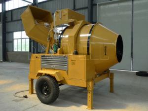 Mini Self Loading Diesel Mobile Concrete Mixer (JZR500) pictures & photos