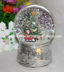 Resin/Polyresin Christmas Music Snow Globe with Turning Function pictures & photos