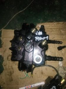 for Nissan Lo2 Steering Cylinder for Forklift pictures & photos