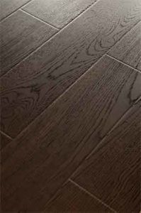 Shinning Wood Grain Registered Embossed Wooden Laminate Flooring pictures & photos