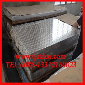 Aluminium Tread Plate with 5 Bars pictures & photos
