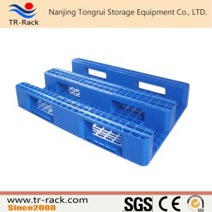 Durable Single Side Mesh Surface Plastic Pallet for Pallet Racking pictures & photos