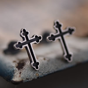 925 Sterling Silver Cross Earrings Stud No Piercing Fashion Jewellery pictures & photos