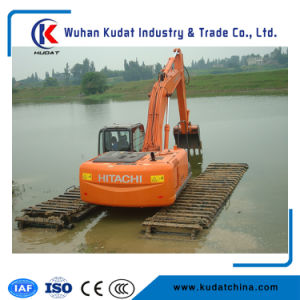 21ton Hydraulic Amphibious Excavator with 0.55m3 Bucket and Cummins B3.9-C pictures & photos