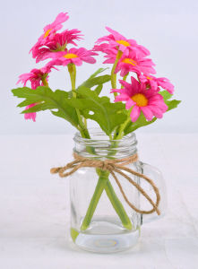 Colorful Artificial Mini Daisy Flower in Glass with Faux Water