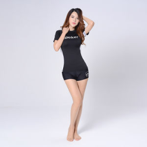 Women Fitness Quick-Drying T-Shirt Outfit Yoga Clothes pictures & photos