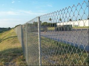 Hot DIP Galvanized Chain Link Mesh Fencing pictures & photos