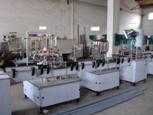 Juice Linear Can Filling Machine pictures & photos