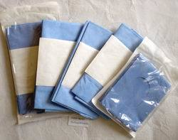Disposable Non Woven Surgical Towel with Hole pictures & photos