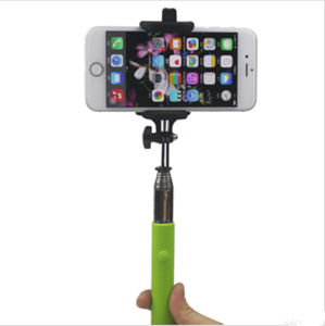 2017 New Durable Selfie Extendable Monopod with Smartphone Holder pictures & photos