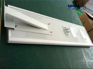 30W LED Solar High Powered Street Light pictures & photos