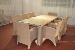Garden Dining Set Rattan Table and Chairs pictures & photos