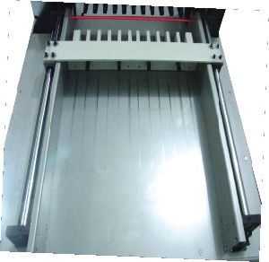 Hydraulic 670mm Touching Screan PLC Paper Cutter (H670RT) pictures & photos