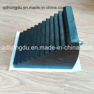 Solid or Hollow Inside Rubber Wheel Chock pictures & photos