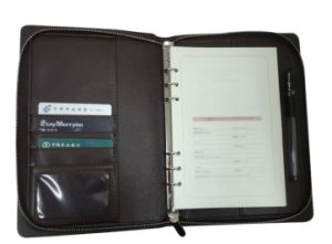 Black Zip A5 Loose Leaf Leather Organizer with Ring Binder pictures & photos