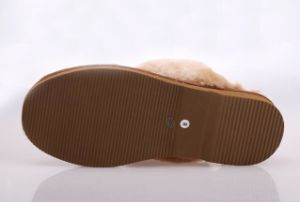 Fashion Lambskin Women Home Shoe Indoor Slipper pictures & photos