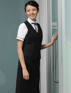 2014 Fashion&New Style Hotel Uniform (UFM130041) pictures & photos