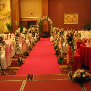 Polyester Plain Red Carpet Runner pictures & photos