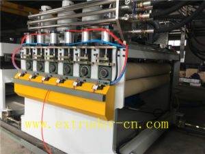 The Newest PP/PE/PC Hollow Sheet/ Grid Plate Extrusion Line pictures & photos