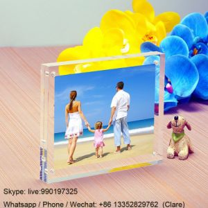 Customized Square Transparent Crystal Acrylic Photo Picture Frames pictures & photos