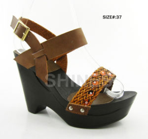 Gold Woven Strap PU Upper Ladies Fashion High Heel Sandal  pictures & photos