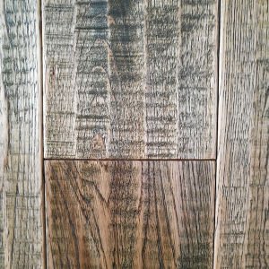 Wood Flooring / Hardwood Oak Handscraped Retro Style Flooring pictures & photos