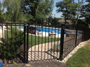 Hot Sale Security Black Fence Gate for Garden Pool with SGS pictures & photos