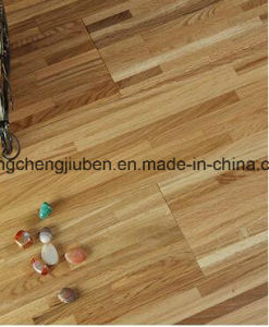 Waterproof Oak Wood Parquet/Laminate Flooring pictures & photos