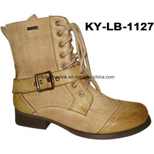 Popular China Lady Casual Boots Flat Sole pictures & photos