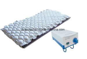 Medical Bubble Air Mattress pictures & photos