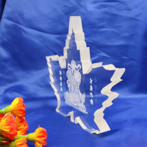 Custom Engraved Maple Leaf Shaped Crystal Plaque Trophy Award for Souvenir. pictures & photos