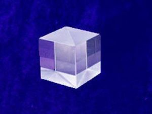 Bk7 Polarizing Beamsplitter Cube (PBS) , Optical Prisms pictures & photos