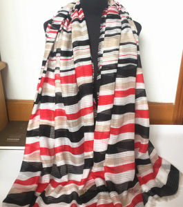 2017 Irregular Transverse Stripe Printed Fashion Polyester Scarf (HW28) pictures & photos