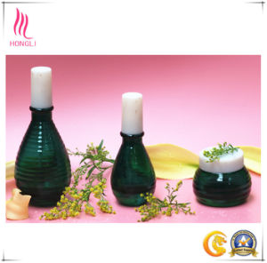 Deep Green Bulb Shaped Glass Perfume Container pictures & photos