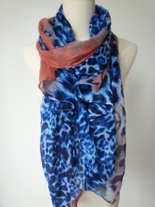 Blue Leopard Print Polyester Scarf for Women Winter Shawl pictures & photos